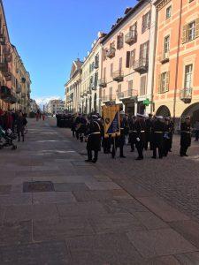 I vigili sfilano in via Roma