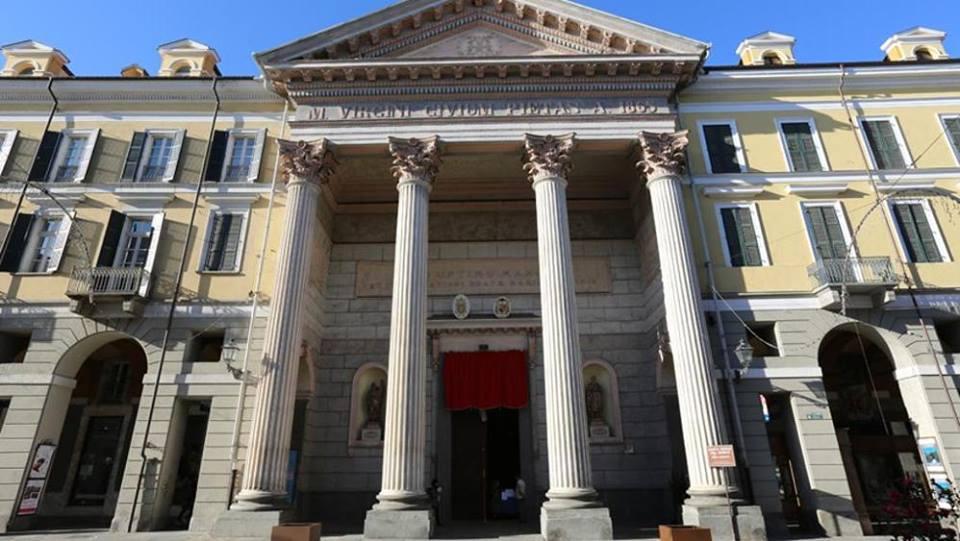Cuneo - La facciata della chiesa Cattedrale