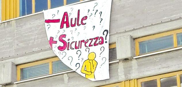 """La Guida - Continua la guerra per le aule tra il """"De Amicis"""" e la media """"D'Azeglio"""""""