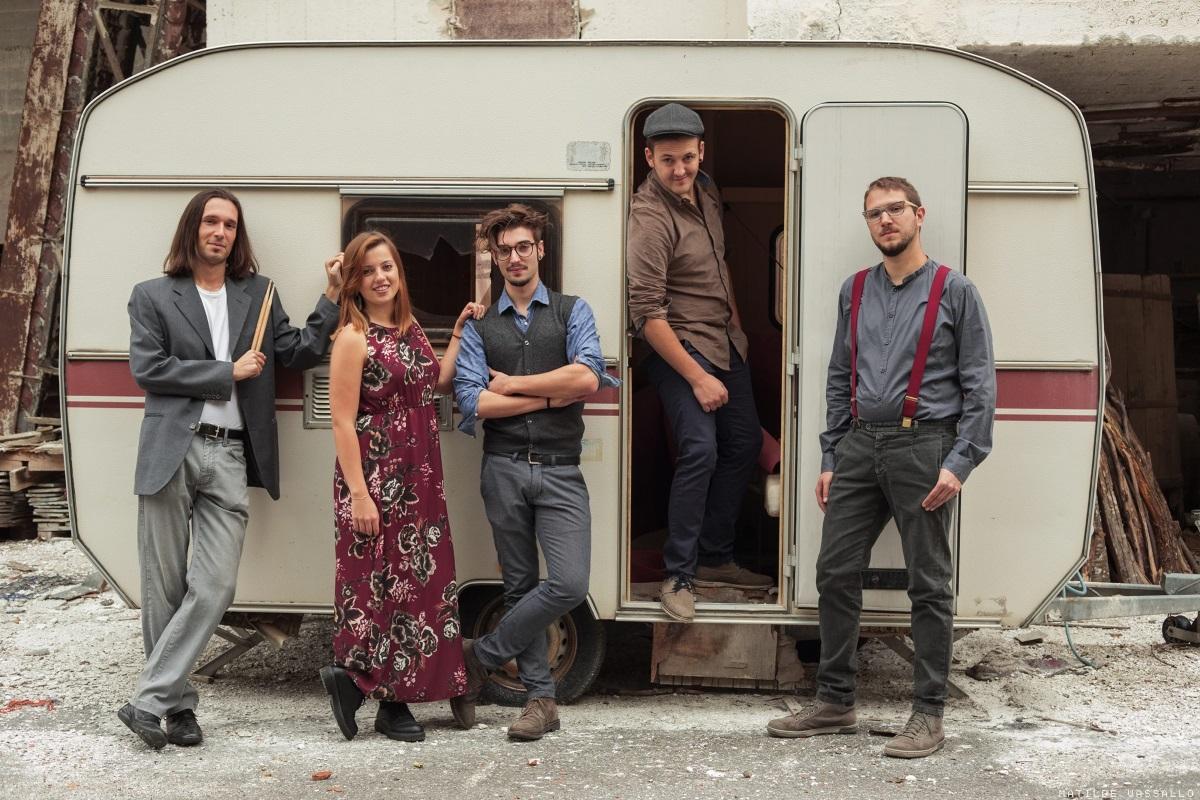 I cinque componenti del gruppo Baklava Klezmer Soul