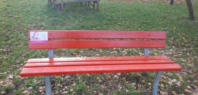 La Guida - Una nuova panchina rossa in ricordo delle donne che non ci sono più