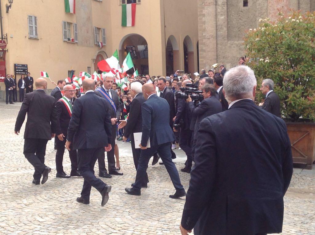 Il saluto delle autorità al presidente Mattarella