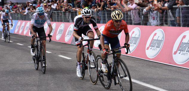 La Guida - Giro d'Italia: a Prato Nevoso vince Schachmann, Yates in difficoltà nel finale