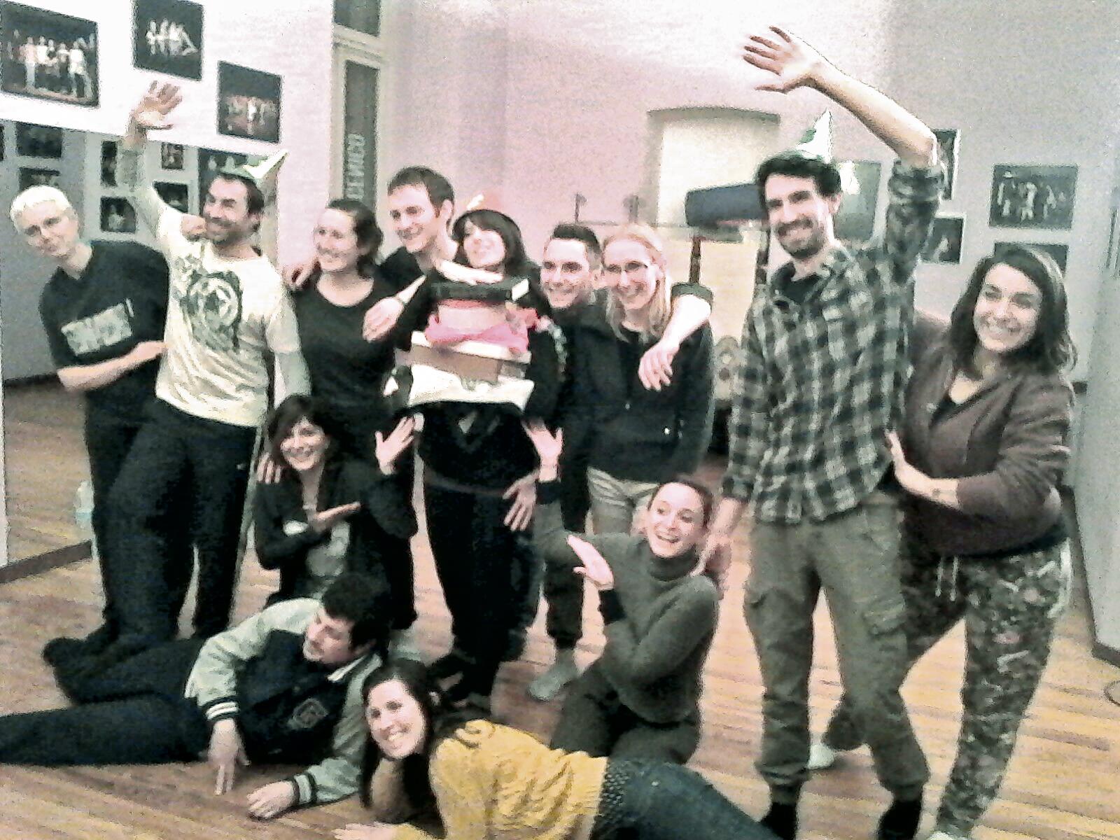 Gli allievi over 18 del laboratorio teatrale della Residenza Officina