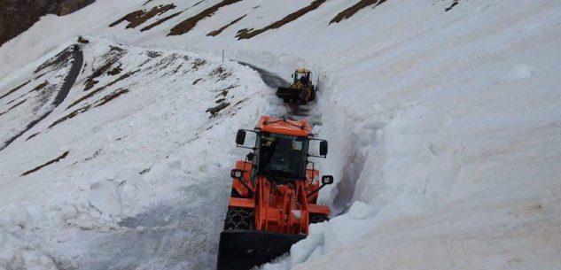 La Guida - Colle dell'Agnello, liberati dalla neve i primi 4 chilometri