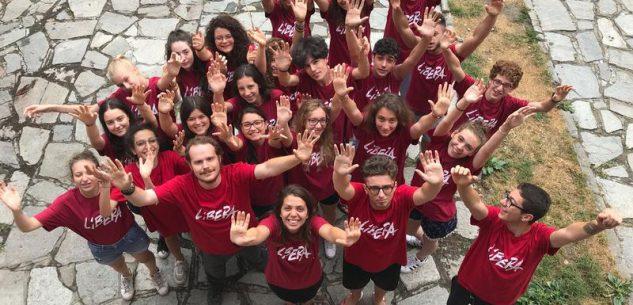 La Guida - Una maglietta rossa per fermare l'emorragia di umanità