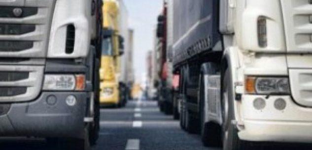 La Guida - L'autotrasporto rimanda lo sciopero