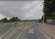 La Guida - Lavori di asfaltatura della rotatoria tra Cuneo e Confreria, strada chiusa di notte