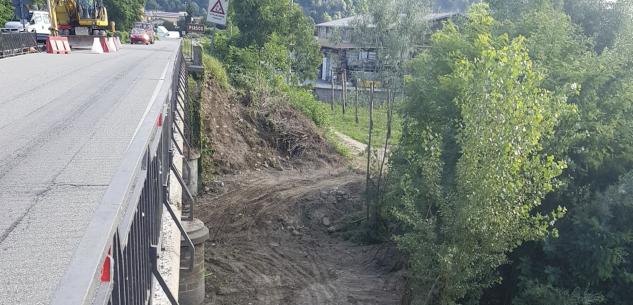 La Guida - Lavori sul ponte sul Varaita, fra Rossana e Piasco