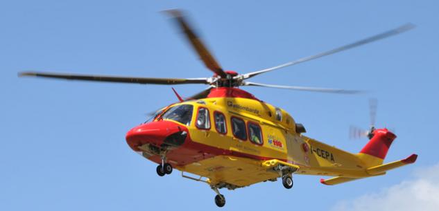 La Guida - Un 80enne cade dal tetto nella zona di Roburent, è grave