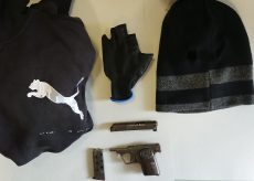 La Guida - Minacce con la pistola e rapina, fermato poco dopo