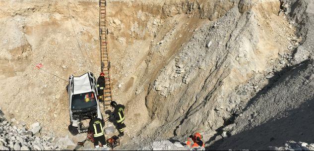 La Guida - Auto in una scarpata, esercitazione alla cava Sibelco