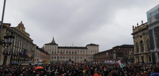 """La Guida - In migliaia in piazza a Torino per il """"popolo del Sì"""""""
