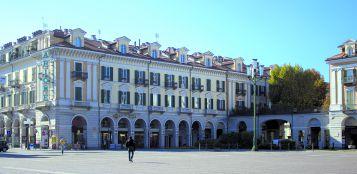 La Guida - Semaforo per il transito pedonale tra piazza Galimberti e corso Soleri, al via la sperimentazione