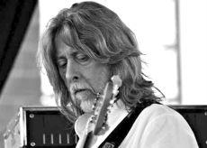 La Guida - Un pezzo di storia della musica con il bassista Guglielminetti
