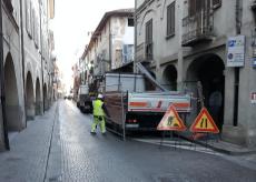 La Guida - Busca,  un tratto di via Umberto chiusa per lavori