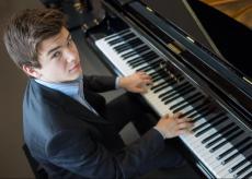 La Guida - Bourdoncle al pianoforte per gli Incontri d'autore