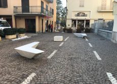 La Guida - Boves, nuove panchine nel centro cittadino