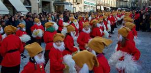 La Guida - Più di 800 bambini mascherati per il Carnevale di Saluzzo