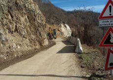 La Guida - A Venasca in corso lavori per mettere in sicurezza una strada