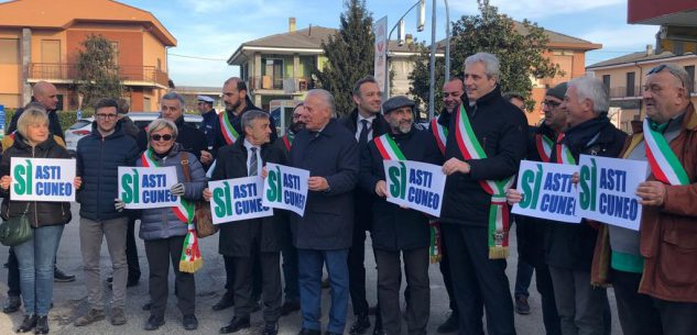 La Guida - La protesta per l'Asti-Cuneo a Cherasco