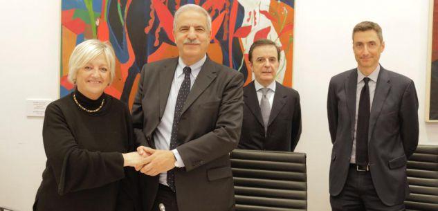 La Guida - Firmato l'atto di fusione tra la Fondazione Crc e la Fondazione Cr Bra