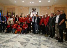 La Guida - Il Comune di Boves dona un telefono satellitare al Soccorso Alpino