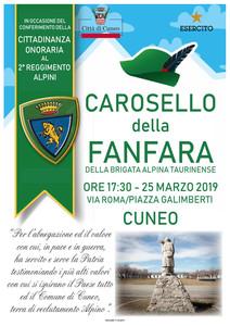 La Guida - La fanfara degli alpini in via Roma nel giorno della cittadinanza onoraria
