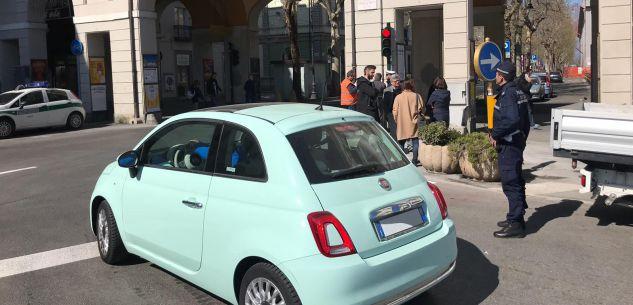 La Guida - Entrati in funzione i due semafori in Piazza Galimberti