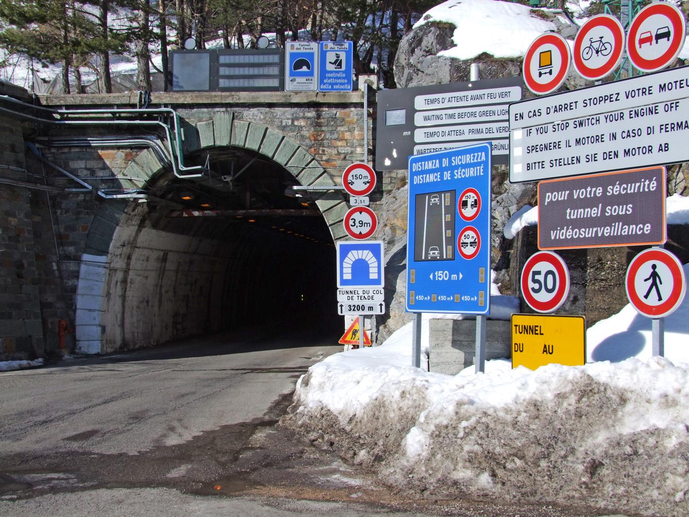 Tunnel di Tenda (Foto Giorgio Bernardi)