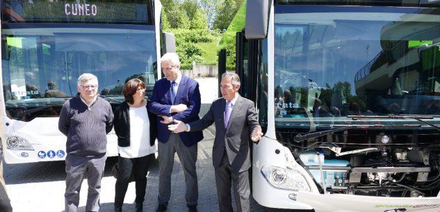 La Guida - Cinque nuovi autobus ibridi a Cuneo