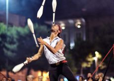 """La Guida - Juriy Longhi in """"Bubble street cirkus"""""""
