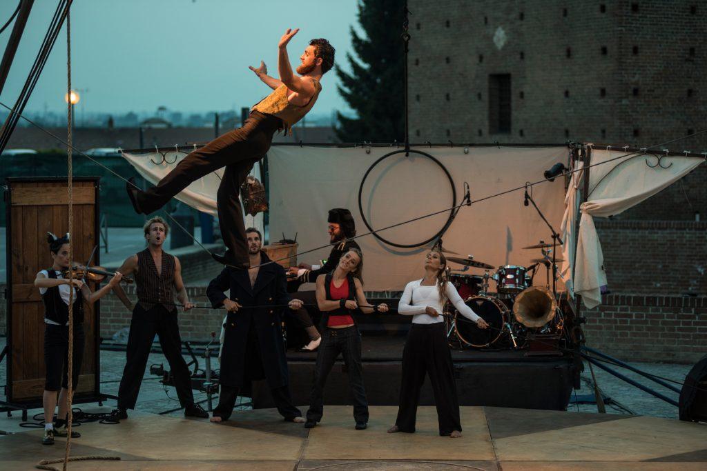 Circo Zoé in Naufragata