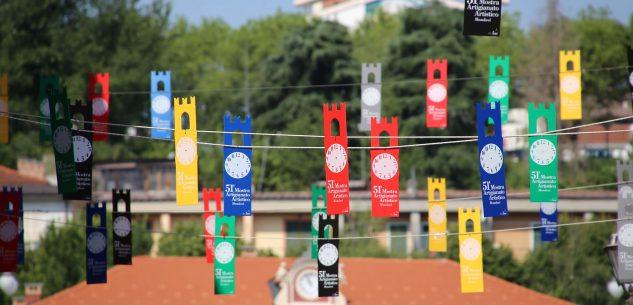 La Guida - Torri colorate per la Mostra dell'artigianato artistico di Mondovì