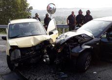 La Guida - Incidente stradale tra Farigliano e Carrù, automobilisti all'ospedale