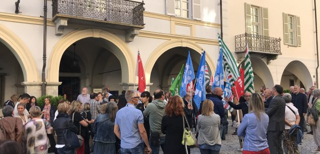 """La Guida - """"La Fondazione Crc difenda i dipendenti Ubi"""""""