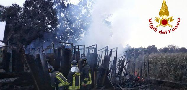La Guida - Boves, in fiamme materiale legnoso presso un'azienda