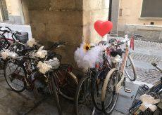 La Guida - Il matrimonio in bicicletta