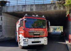 La Guida - Cade intonaco dal cavalcavia: chiusa la tangenziale di Mondovì