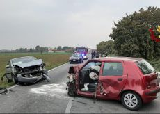 La Guida - Scontro tra due auto e un camion a Villafalletto, un ferito grave
