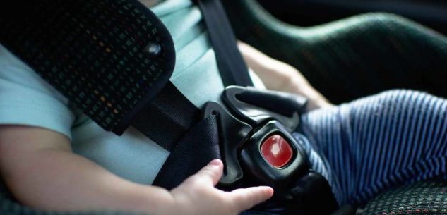 La Guida - Scatta l'obbligo dei seggiolini e dei dispositivi antiabbandono