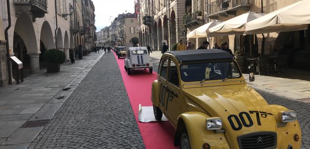 La Guida - Un tappeto rosso in via Roma per i 100 anni della Citroën