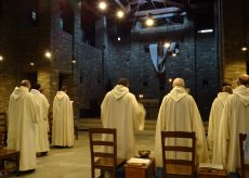 La Guida - La fiamma della lampada di Betlemme, simbolo di pace e di fratellanza, a Pra 'd Mill