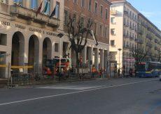 La Guida - Cuneo, in corso Giolitti problemi di viabilità alle fermate dei bus