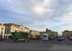 La Guida - Viene allestito il luna park in piazza Galimberti