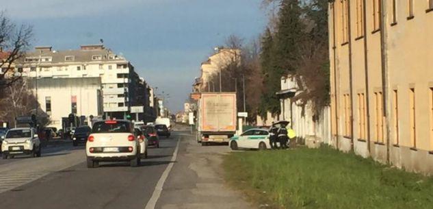 La Guida - Cuneo, la Polizia municipale assicura più controlli su tir e pedoni