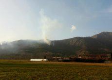 La Guida - Tre roghi sul monte San Bernardo, vigili del fuoco e Aib al lavoro