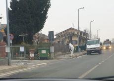 La Guida - Scoppia il panico a Bernezzo, ma è solo un'operazione di diserbo