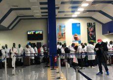 La Guida - In aereo con i 53 sanitari cubani arrivati per solidarietà