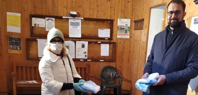 La Guida - Chiusa Pesio, mascherine donate al Comune dagli artigiani